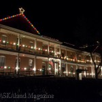 The lodge at Fort Robinson State Park shines brightly during the holidays. (NEBRASKAland/Justin Haag)