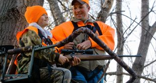 Hunters in tree stand